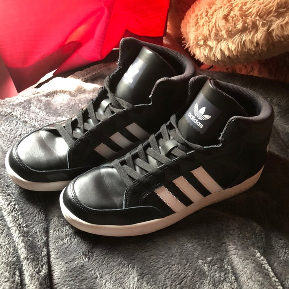 Mid Exclusive schoenen reizen Varial Adidas Poshmark 1qEvzYnxw
